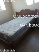Aruba Ta bende un cama matrimonial cu su corchon